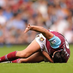 Andy Carroll injured his hamstring against Fulham