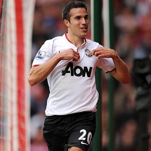 Robin van Persie grabbed a late goal to secure the win for Manchester United