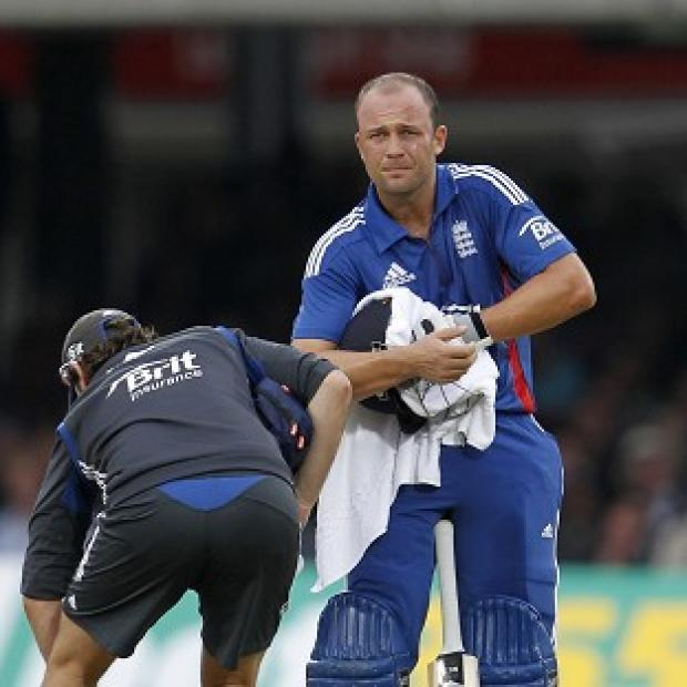 Jonathan Trott suffered a hand injury on Sunday