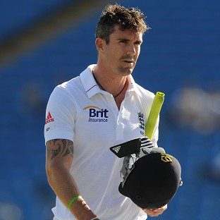 Kevin Pietersen has signed a four-month contract with the ECB