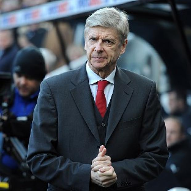 Blackpool Citizen: Arsene Wenger admits it is not ideal playing on Monday night