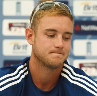 Blackpool Citizen: Captain Stuart Broad believes umpires put England and New Zealand in danger in Chittagong