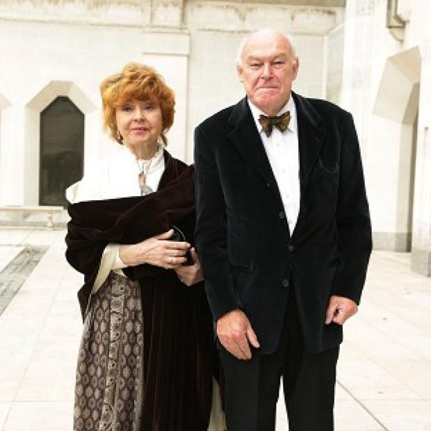 Blackpool Citizen: Timothy West and his wife Prunella Scales