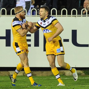 Michael Shenton scored a hat-trick of tries in Castleford's victory