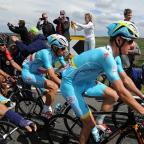 Blackpool Citizen: Vincenzo Nibali, centre, has been left in limbo
